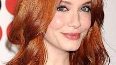 Колір волосся темно-рудий - це тренд осені!