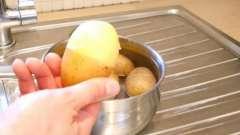 Геніальний спосіб очистити картоплю за секунди