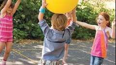 Ігри з м`ячем на природі - користь для дітей і дорослих