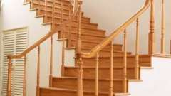Витончені сходи на косоурах