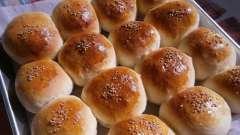 Як приготувати булочки з повидлом з дріжджового тіста?