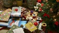 Як зробити бантик з стрічки для оформлення подарунка?