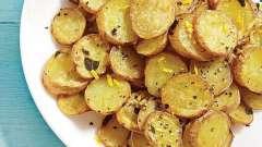 Як смачно і швидко запекти картоплю в мультиварці