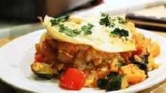 Як смачно приготувати тушкований кабачок з помідорами: рецепт дієтичного страви і овочів в сметанному соусі