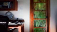 Як вибрати кращі міжкімнатні двері з вітражами?