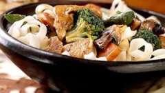 Шматочки курки з овочами: рецепти і способи приготування