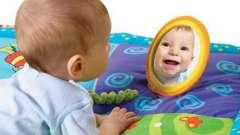 Розвиваючі килимки для новонароджених своїми руками: що треба знати