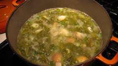 Рецепт супу з щавлем і яйцем: кілька варіантів приготування