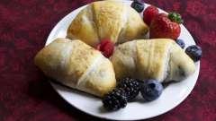 Рогалики з вишнею: рецепт з фото