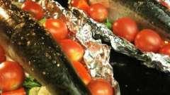 Скумбрія запечена в фользі в духовці. Рецепти приготування