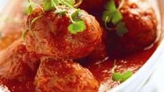 Тефтелі в соусі в духовці. Як приготувати тефтелі в томатному або вершковому соусі?