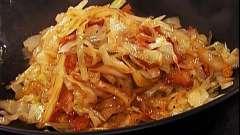 Тушена капуста з картоплею:   кілька рецептів приготування