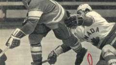 Зімін евгений - хокеїст, який забив першу шайбу канадським професіоналам легендарної серії 1972 року
